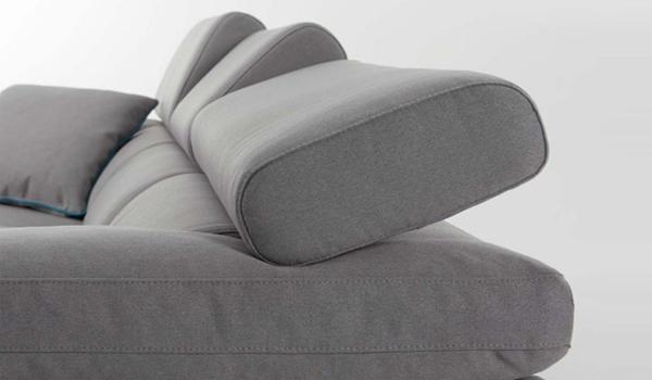 divani con schienale reclinabile
