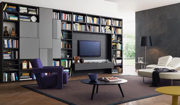 Soggiorni con ampia libreria e spazio per tv grande formato