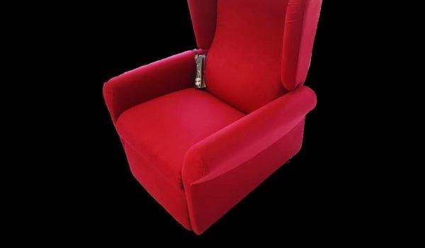 Poltrona relax elettrica rossa. Tessuto in microfibra